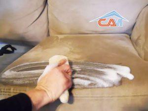 Sai lầm khi vệ sinh, giặt sofa tại nhà nên tránh